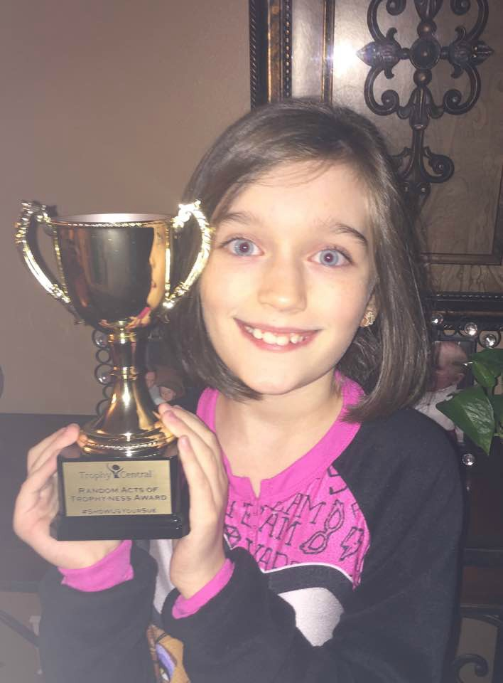 ily-scott-sweetsie-sue-with-her-trophy-central-random-acts-of-trophy-ness-award